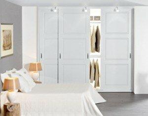 Een inbouwkast op de slaapkamer