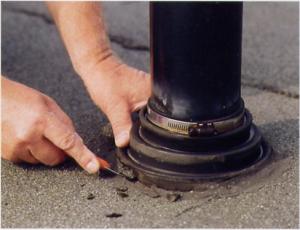Lekkage dakdoorvoer plat dak repareren 1