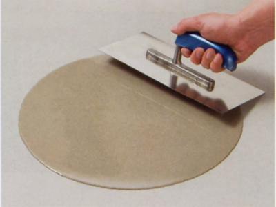 Ondergrond voorbereiden voor tapijt, betonnen of cementen vloer egaliseren