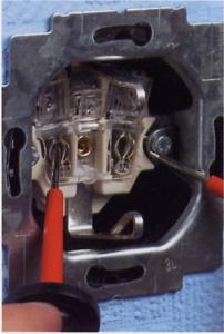 Stopcontact aansluiten 6