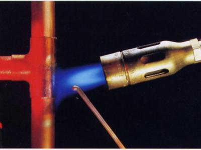 Zacht solderen van koperen leidingen